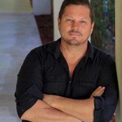 Ricky Lowe